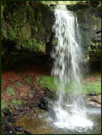 cascade et grotte