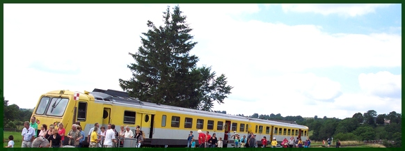 Train à l'arrivée à Lugarde