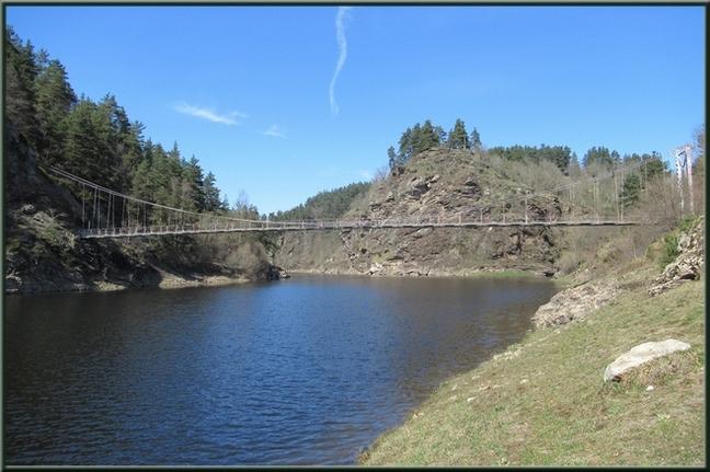 En avril 2019 ; le paysage est sec mais le niveau de l'eau est élevé.